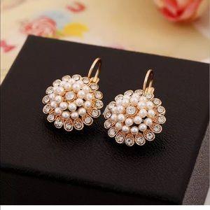 Jewelry - Faux Pearl & Rhinestone earrings 4 wedding prom